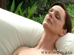 mommy lesbian milf\&#11711 s having orgasms