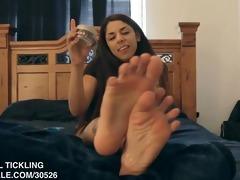 edie lotions her feet
