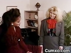 swarthy wench lesbo licking blond
