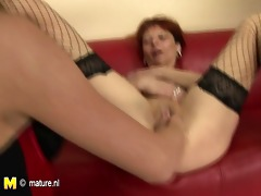 housewife fisted by not her daughter
