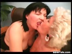 old naughty ladies lesbo play and great