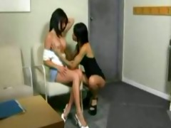 hawt lesbo floozy acquires her wet crack licked