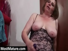 d like to fuck lesbian babes toying love tunnels