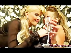 oral-job for lesbo nylons bitch