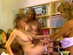 classic and sweet lesbo trio with trinity