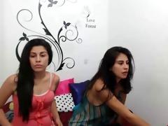 prostitutas hermanas se beijando